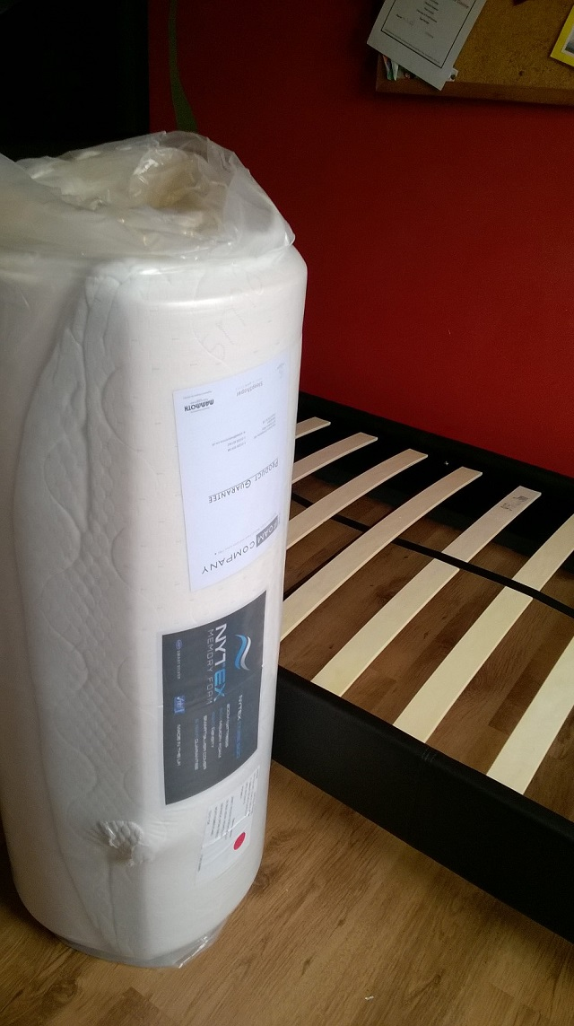 01 rolled mattress